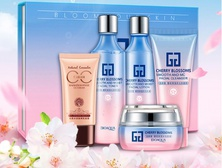 Набор косметики Bioaqua Cherry Blossoms Moist Facial Gift Box 5 в 1